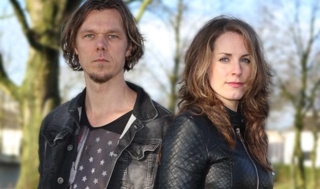 Yko Hoekstra als Jezus en Laura Groeneveld als Maria. Foto Sander Klugt