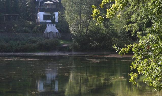 Utrechts Landschap gaat het theehuis (1912) op landgoed Heidestein restaureren. Landgoed Heidestein dat bestaat uit bos, heidevelden, een oude schaapskooi, vijver, wandeltunnels, theehuis en restanten van een golfbaan en smalspoorbaan FOTO: Renk Ruiter