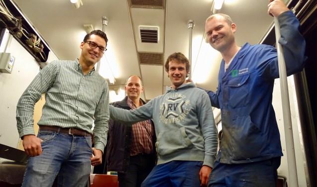 De vrijwilligers van RoMeRo, die de hisotische metrotrein opknapten. Uiterst rechts Joachim Kost.