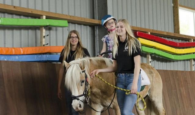Veel deelnemers zien het paard- en ponyrijden als hun sport, een stuk ontspanning tot een leuk uitje. (foto: eigen foto)