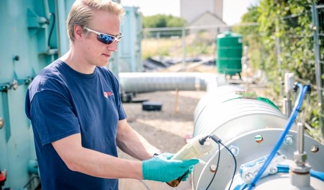 Egbert Jansen is nu nog projectleider bij HMVT BV. Een milieutechnische aannemer in Ede. Over een maand gaat hij bij Pondera Consult in Zeist aan de slag als contractmanager duurzame energie projecten.