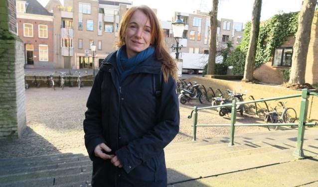 De straat is het werkterrein van straatpastor Bernadette van Dijk. Ze vertelt over 10 jaar Straatpastoraat Amersfoort. (Foto: Marian Vreugdenhil)