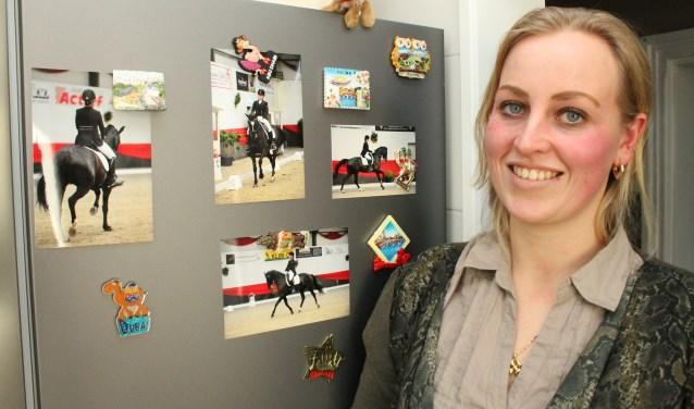 Laura Vuik haar passie is paardrijden, dressuurwedstrijden, op een van haar eigen paarden. FOTO: Leon Janssens
