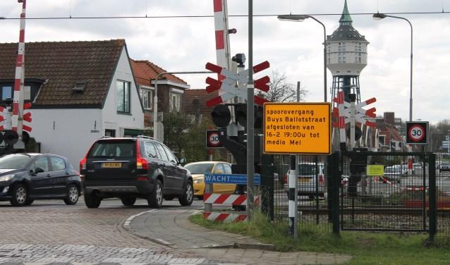 Maandag 12 februari starten voorbereidende werkzaamheden voor de ingrijpende reconstructie van het kruispunt Buys Ballotstraat-Patijnweg. FOTO: Leon Janssens