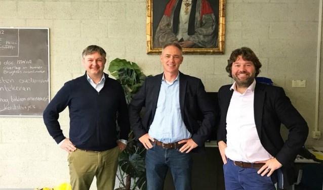 Van links naa drie van de vijf organisatoren Martijn Schimmer, Peter van der Gaag, Henning van den Akker