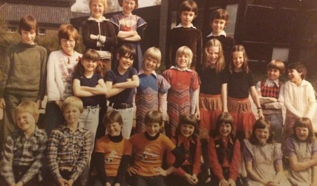 Een oude foto uit de tijd dat er bijzonder veel tweelingen op de Dr Landmanschool zaten.