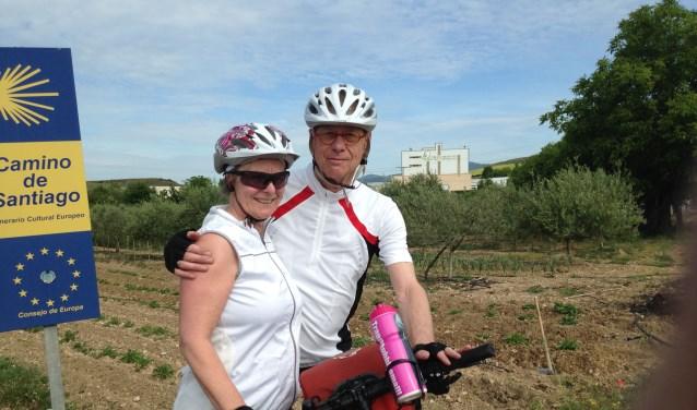 'Geen dag vlak'is het reisverhaal van de fietstocht, die Heleen (62) en Joost (72) Huijsman hebben gemaakt.