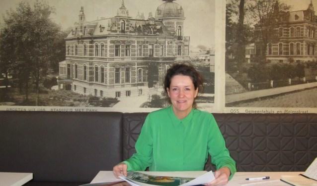 Artistiek directeur Karin van Lieverloo is trots op het aantal bezoekers dat naar de expositie Powervrouwen kwam kijken. Ze kijkt ook uit naar de komende twee exposities We are food en de foto's van de Osse fotograaf Leo van den Bergh. Een kunstenaar, volgens Karin.
