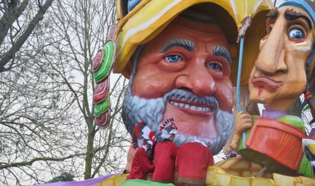 Na het winnen van de Publieksprijs en de juryprijs in Raamsdonk op zaterdag, pakte carnavalsclub De Leo's uit Waspik ook in haar eigen dorp de twee grote prijzen.