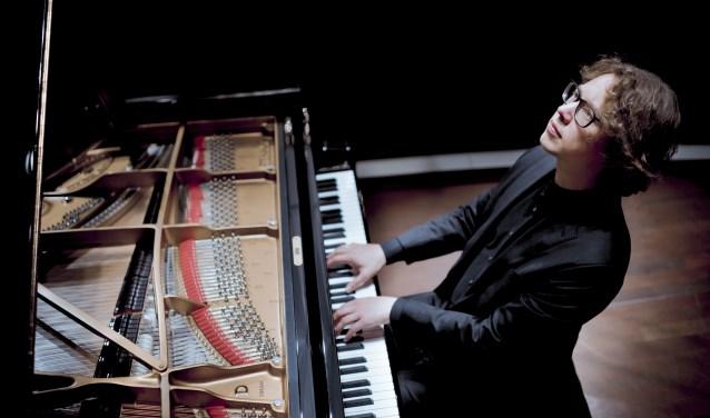 Een pianist van wereldniveau in Noordgouwe in de kerk, aankomende zaterdag: Hannes Minnaar. FOTO: Simon van Boxtel