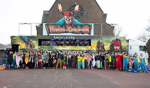 Na tien jaar er met hun stampwagen op uit te zijn getrokken vindt carnavalsgroep De Begaaiers het mooi geweest. Ze stoppen ermee, maar op de valreep schonken ze het Viva Vakantiekamp nog een leuk bedrag.