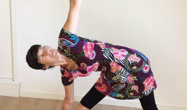Yoga, gecombineerd met psychologie/filosofie: dat is deugdenyoga. Marleen Zwart start met de eerste deugdenyogalessen in de regio.