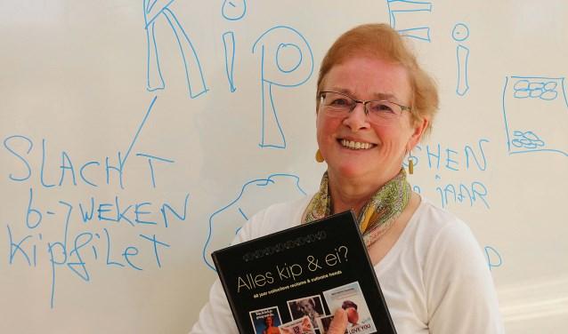 Voedingsdeskundige Erdie Burema biedt legio weetjes, tips, smulrecepten, een eierdrankje en een quiz met prijzen. F: Hanny van Eerden