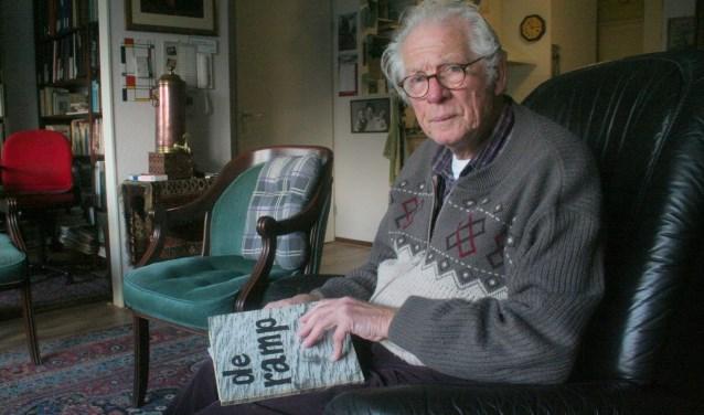Bep Murk herinnert zich de watersnoodramp van 1953 nog als de dag van gisteren. Als 20 jarige heeft hij met zandzakken de dijk bij Ouderkerk aan den IJssel helpen dichten. De overstroming van de Krimpenerwaard bleef beperkt en de Lopikerwaard bleef gespaard. (Foto: Rinus Verweij)