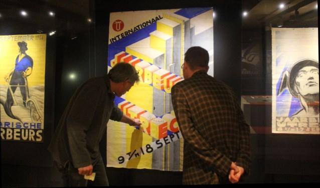 Handgetekende affiches Jaarbeurs in Utrechts Archief.