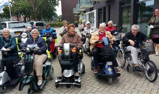 De Scootmobielclub organiseert voor haar leden een drive-in bioscoop. (foto: Scootmobielclub Aalten)