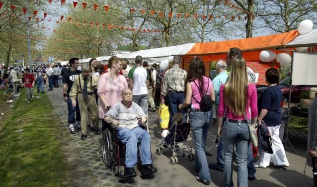 De Oranjemarkt op Koningsdag vindt dit jaar voor het eerst plaats in het CityCentrum Veldhoven. FOTO: Bert Jansen.