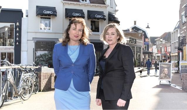 Petra Hoogenes (links) en Lisette Goddrie vinden dat gewone dingen vaak een politiek raakvlak hebben. Dat willen zij laten zien tijdens Internationale Vrouwendag, 8 maart. FOTO: Ros Original