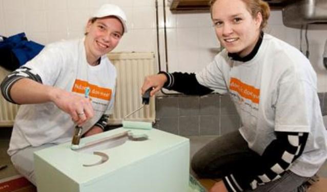 Tijdens NLdoet gaan overal in Nederland vrijwilligers aan de slag voor een stichting, vereniging of ander goed doel. MENS de Bilt coördineert NLDoet in de gemeente.