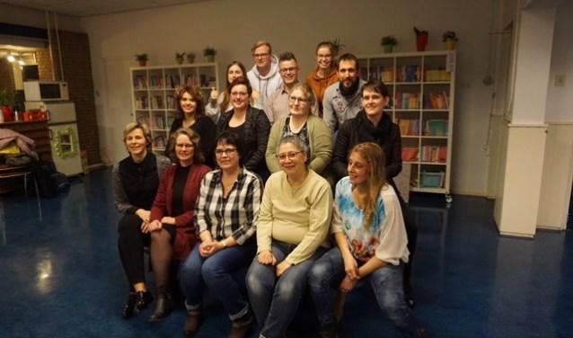 Een grote groep cursisten mocht eind januari het EHBO-diploma in ontvangst nemen, na wekenlange uitgebreide oefening.