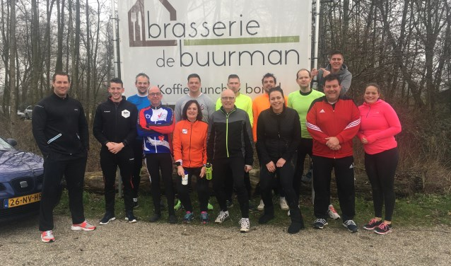 24 mannen en vrouwen van aannemingsbedrijf G. van der Ven doen dit jaar mee aan Alpe d'HuZes.