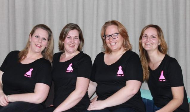 De organisatie achter de Ladies Fair is het Ladiesteam dat eerder de ruilbeurs voor kleding en speelgoed organiseerde.. V.l.n.r. Carola van Harmelen-Stukart, Wendy Kemp, Sandra van Veen en Carolien Zeinstra. (Eigen foto)