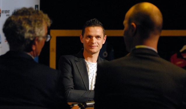 Oud-profvoetballer Rogier Meijer was aanwezig in de Schouwburg Cuijk. (foto: Tom Oosthout)