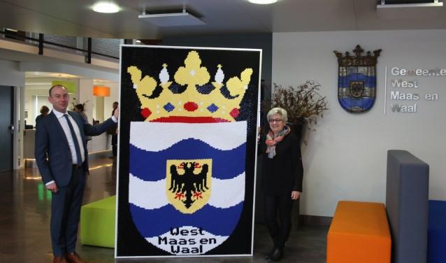 Burgemeester Vincent van Neerbos en Addy Meisner. (Foto: Antorita Siegers-Merx)