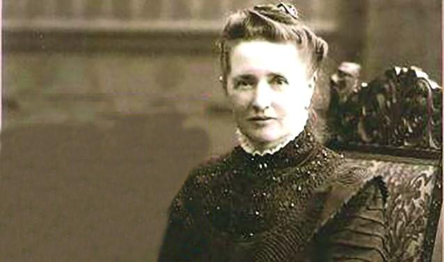 Hermanna was een bekende textielfabrikante, helemaal toen ze mee had gedaan aan de tentoonstelling in Den Haag.
