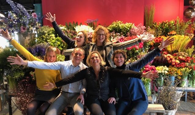 Wat Sybrine Richter in haar eentje begon, is uitgegroeid tot wat het nu is: een bloemenparadijs met een team van zes medewerkers.