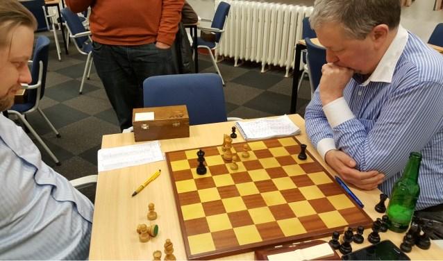 Martin Markering rekende zich suf, maar kon de winst tegen Hotze Tette Hofstra niet vinden. (foto: Rinus van der Molen)