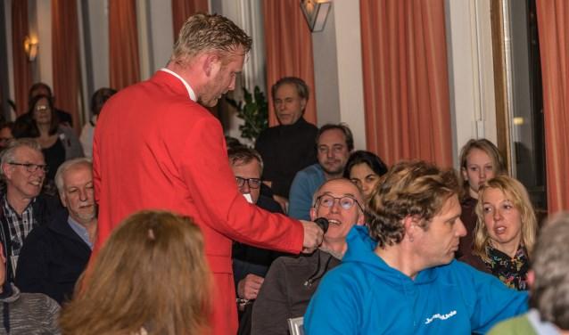 Maarten van Panhuis leidt de avond