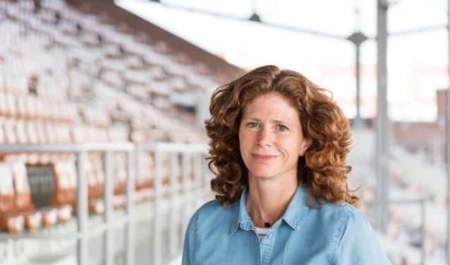 Journalist, uitgever en presentator Barbara Barend ontvangt vrijdag de Jillis Bruggeman Penningom omdat zij actief (en publiekelijk) geweld tegen LHBT's afwijst (Foto: PR).