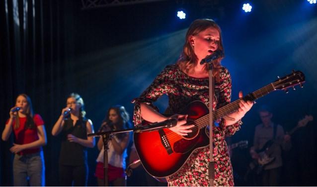 Geslaagd open podium op het Willem van Oranje College in Waalwijk. Foto: Wieke Hoeke