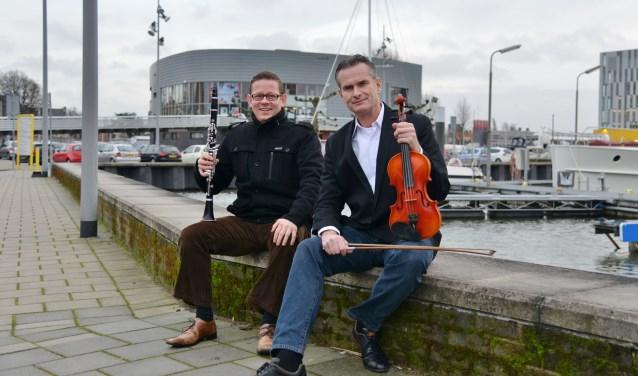 Klarinettist Peter Habraken en violist Nathan Hol. (Foto: Privé)