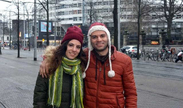 Yordan Ribarov en zijn zus Tereza Ribarova tegenover Theater aan het Spui (Foto: Jos van Leeuwen).