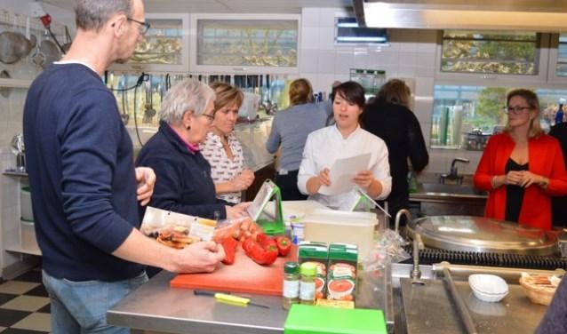 De deelnemers kregen tips en tricks van kok Katja van der Knaap en gingen vol inspiratie weer naar huis.
