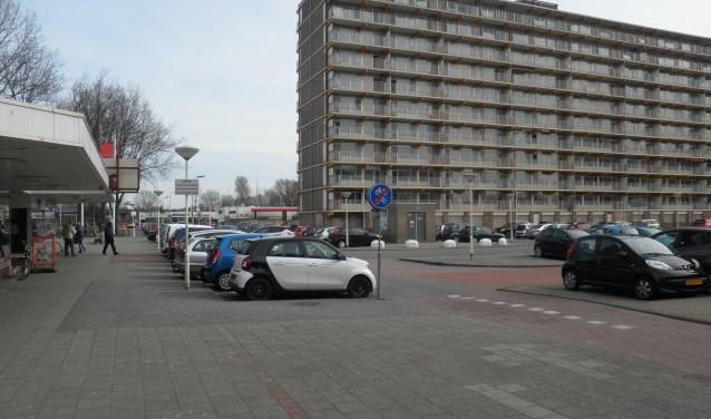 De Jan van Beierenflat had al gesloopt moeten zijn en met de bouw van het Stadskwartier moest al begonnen zijn. Foto Kees van Rongen