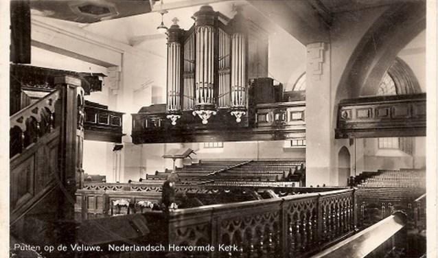 Interieur Hervormde Kerk van Putten.