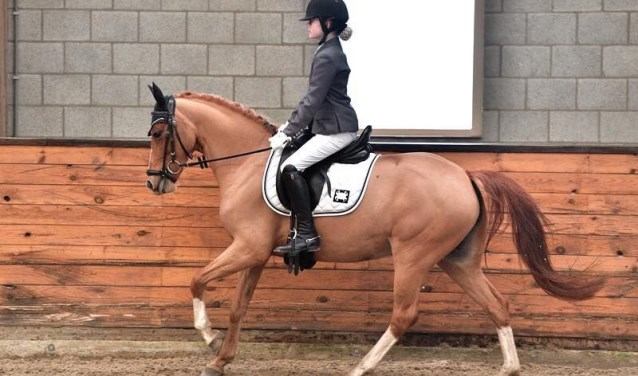 Kristy Klerks en haar pony Sunny Summer hebben zich geplaatst voor het Nederlands Kampioenschap.