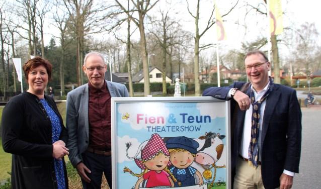 Hannelore Bosch (Veluvine), Dries Huisman (PromUnique) en Ytze Dijkstra (Jumbo) rekenen op veel bezoek bij Fien en Teun op zaterdag 14 april in Veluvine. Foto Dick Baas