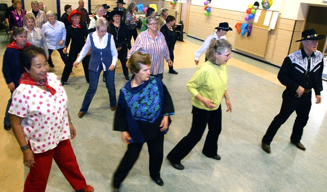 Leer op een ontspannen manier line-dansen bij de Langstraat Rolidas in Nieuwkuijk. Foto: Wil Monsieurs