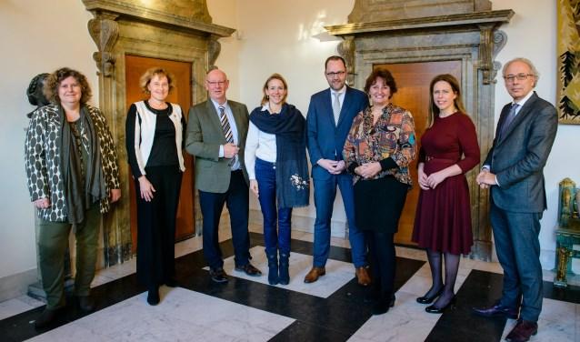 Laatst gingen de burgemeesters van Alphen, Woerden en Gouda in gesprek met minister Schouten van Landbouw, Natuur en Voedselkwaliteit over steun van het Rijk voor de aanpak van bodemdaling. FOTO: Gemeente Woerden