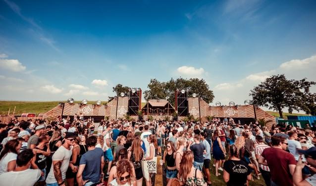 Op zaterdag 25 augustus vindt in Breda voor alweer de vierde keer het Duikboot Festival. Dat dit jaar in een nieuw jasje gestoken zal zijn, waardoor het nog meer van en voor Breda wordt. ,,We trekken dit jaar écht onze trukendoos open'', aldus de organisatoren van het festival.