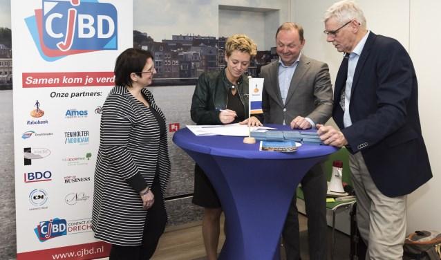 Ondertekening partnercontract tussen CJBD en Rabobank. (FOTO: Anke Bot Fotografie)