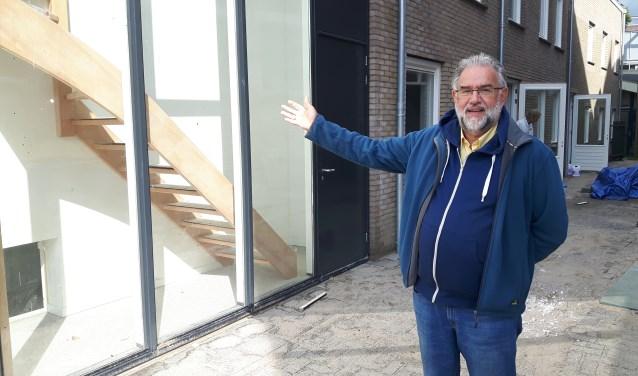 Voorzitter Bram Dekker van de Diaconie naast de Grote Kerk in Driebergen zet zich in voor een gemeenschappelijk centrum. FOTO: Marcel Bos