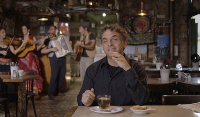 Samen met Pop Up Cinema presenteert Tilt op 16 maart om 20.00 uur Etgar Keret: een waargebeurd verhaal.Deze documentaire vol animatie over de populaire Israëlische schrijver van zeer korte verhalen is de Nederlandse inzending voor de Emmy's dit jaar.