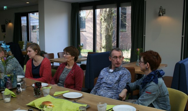 Ook Annet en Karel Boot hebben zich aangemeld om statushouders te begeleiden. De werving van de vrijwilligers gaat via de Stichting Welzijn Putten en zij kunnen nog meer vrijwilligers gebruiken. Foto: Annemieke Westphal-Kreeftmeijer