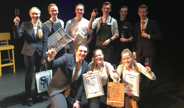 Alle deelnemende studenten van ROC van Twente met derde van linksbovenJorick van der Moolen.