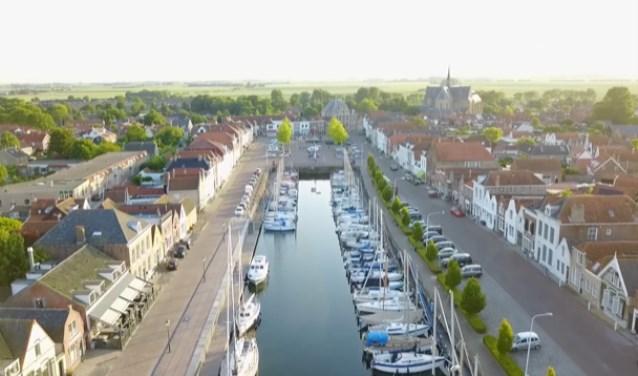 Muziek zorgt voor levendigheid en Brouwershaven heeft natuurlijk een schitterende haven als locatie daarvoor.